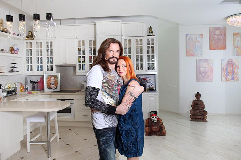 Немного не по себе: как выглядит дом жены Джигурды, в котором он теперь живет один