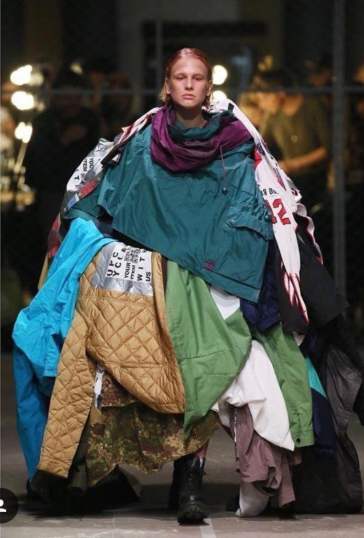 Смеяться нельзя плакать: Люди, которые носили странную одежду, считая ее модой