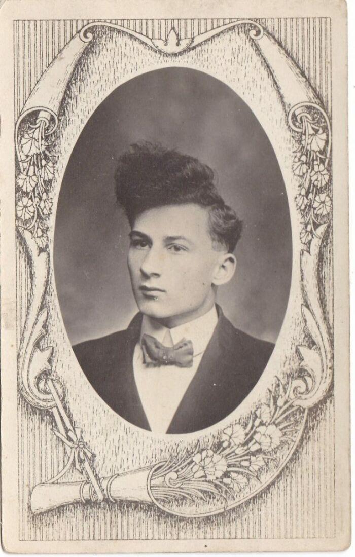 10 снимков, которые покажут какими забавными были мужские причёски в прошлом