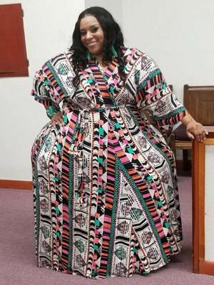 Вот как выглядят и во что одеваются девушки с самыми широкими бедрами и самой узкой талией в мире