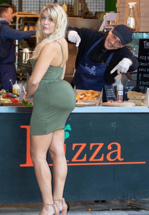 Девушка оделась как Кардашьян и вышла на улицу, чтобы показать всю несуразность ее внешнего вида